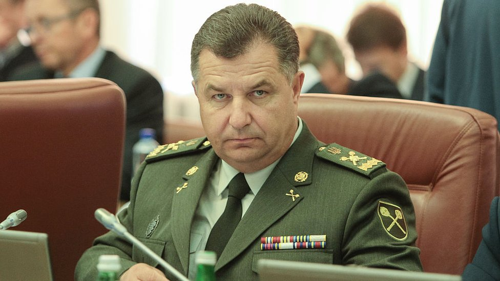 До Полторака дзвонили пранкери: нецензурно питали про Донбас