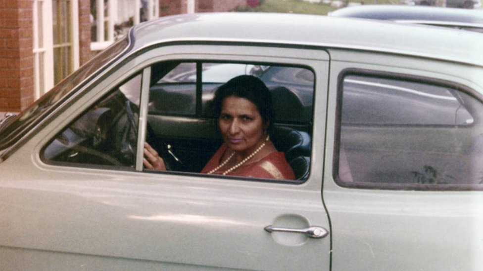 The Asian women who defied the driving taboo