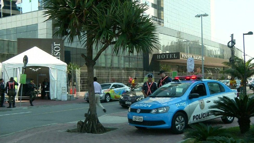 Exterior of hotel in Rio where Patrick Hickey was arrested, with police car (17 August 2016)