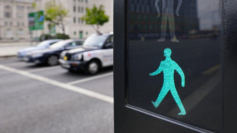 Green man road crossings 'too fast'