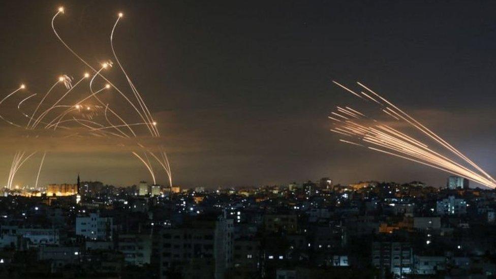 Mísseis no céu de Gaza