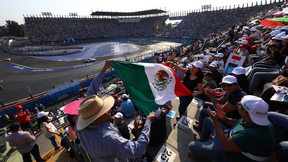 El sector del estadio en el autódromo Hermanos Rodríguez se ha convertido en uno de los lugares más pintorescos de los campeonatos de Fórmula 1 y de Fórmula E.