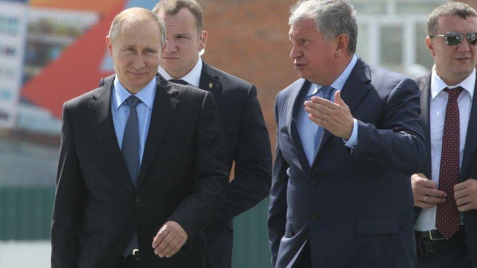 Vladimir Putin e Igor Sechin.