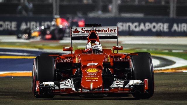 Sebastian Vettel drives at the 2015 Singapore Grand Prix