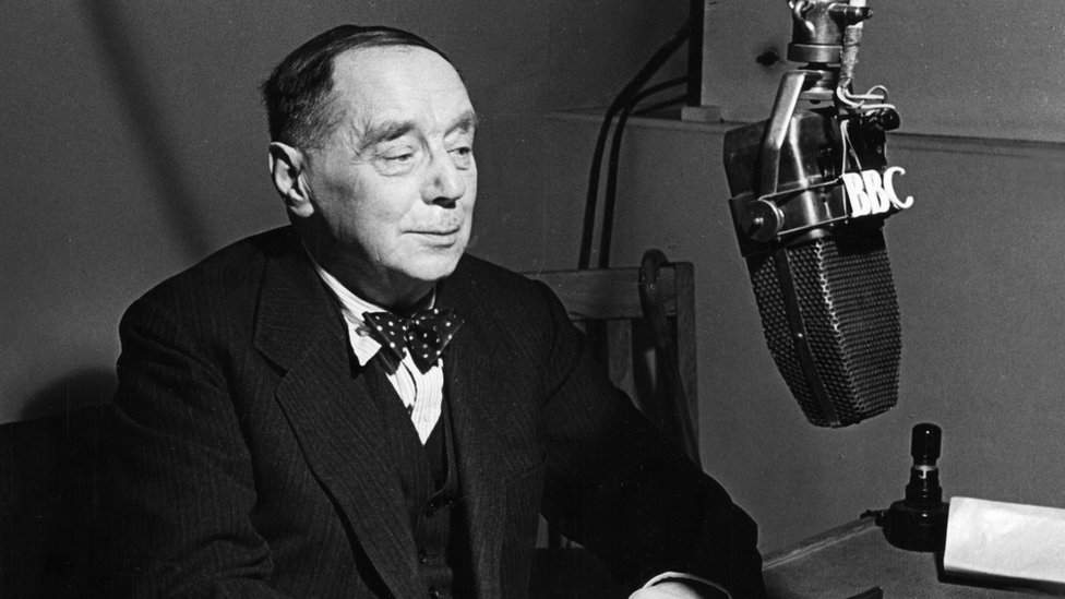 """Mr H.G. Wells opening the series of talks for discussion groups, """"Reshaping Man's Heritage"""" in the BBC Home Service, on January 15 1943."""