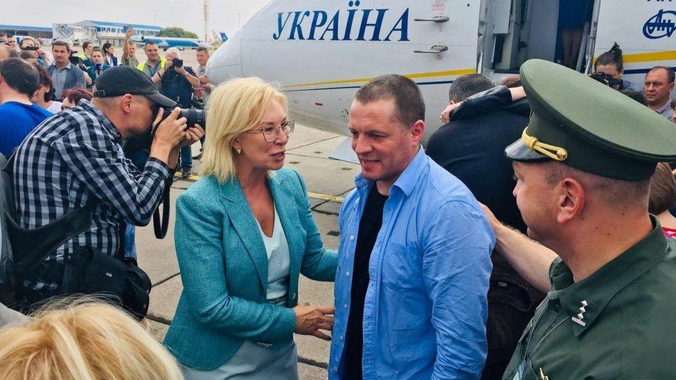 Повернувся з Росії і український журналіст Роман Сущенко.