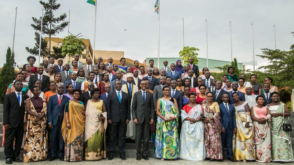 Pol Kagame i 80 novih poslanika