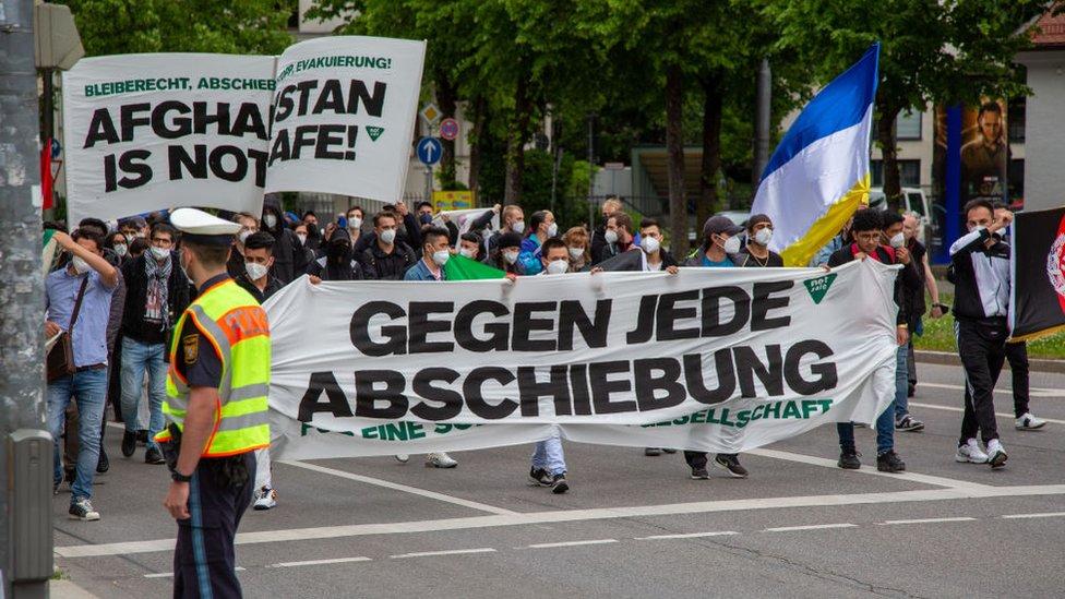 Protesta en Munich, Alemania, contra la deportación de refugiados afganos