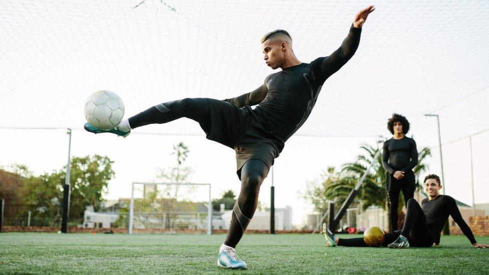Footballer heart death risk 'underestimated'