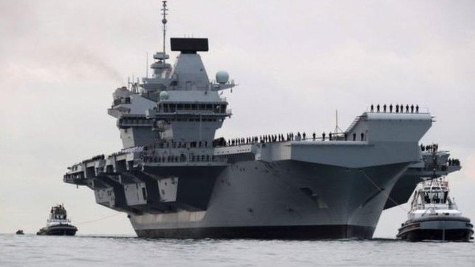 """皇家海軍新航空母艦""""伊麗莎白女王""""號2020年開始服役。英國多次表示該航母首次任務是去南海自由巡航。"""