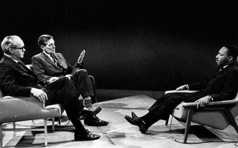 Robert Mekenzi i Džejms Mosman intervjuišu Kinga
