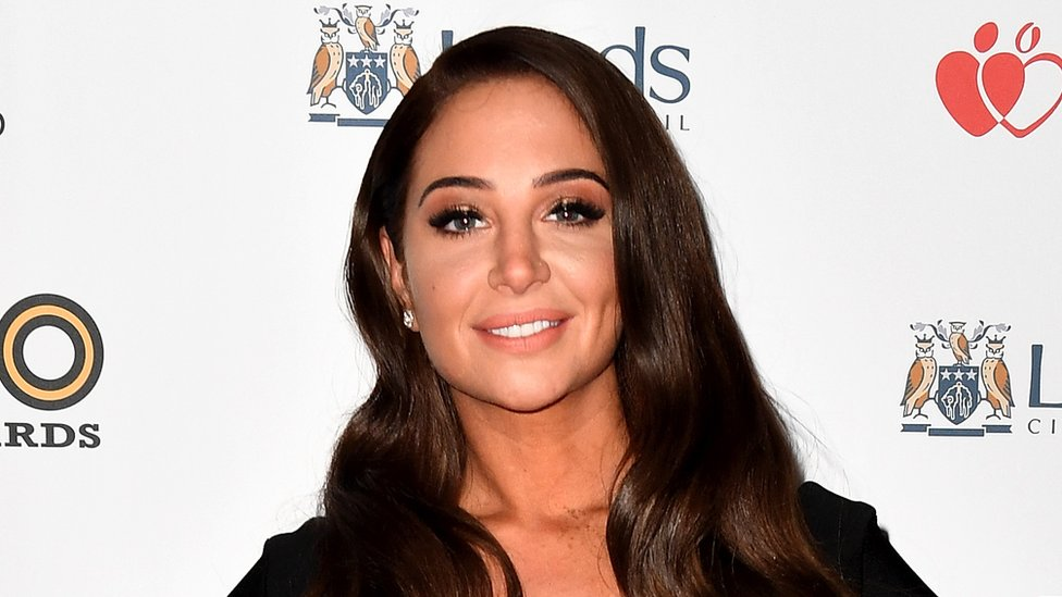 BBC News - Tulisa 'wins legal challenge against will.i.am and Britney'
