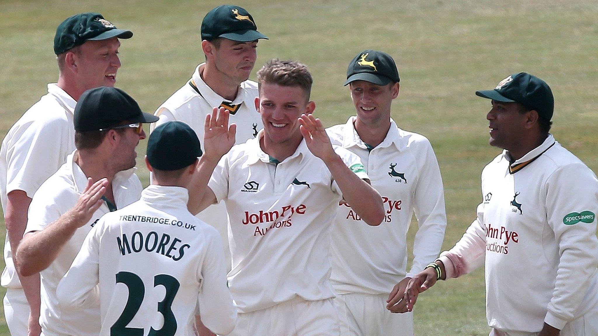 County Championship: Nottinghamshire wrap up emphatic win over Essex