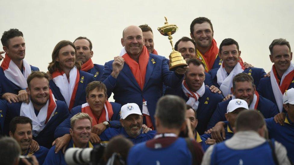 El equipo de Europa ganador de la Copa Ryder 2018.