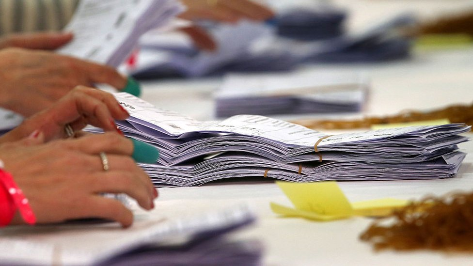 Counting ballot papers in 2015