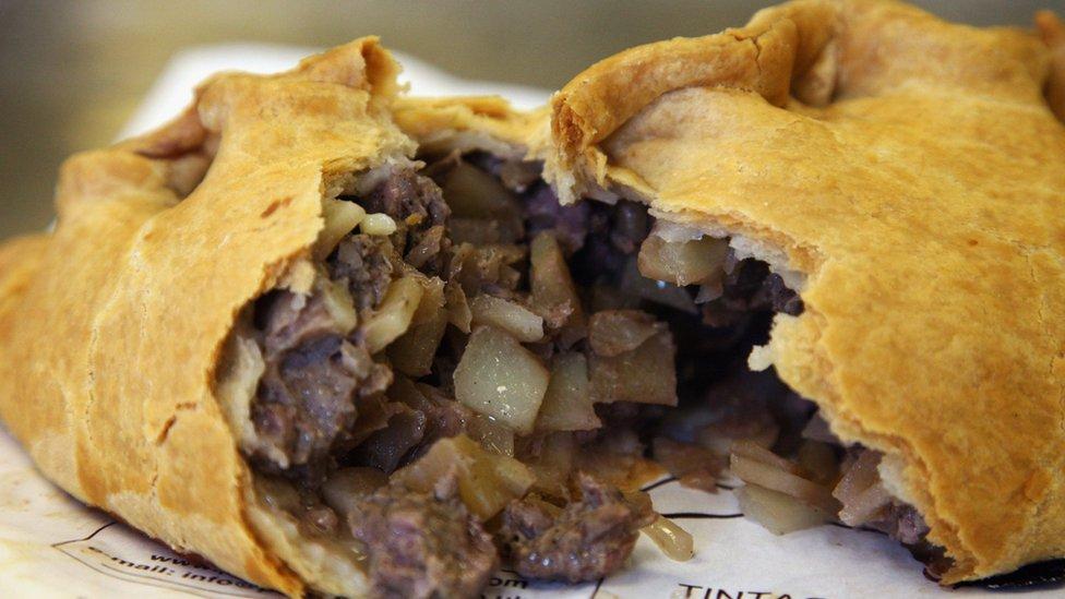 康瓦爾肉餡餅(Cornish Pasty)