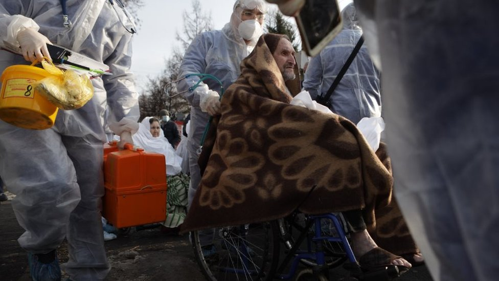 Коронавирус в России: снова больше 18 тысяч заболевших, в челябинской больнице прогремел взрыв