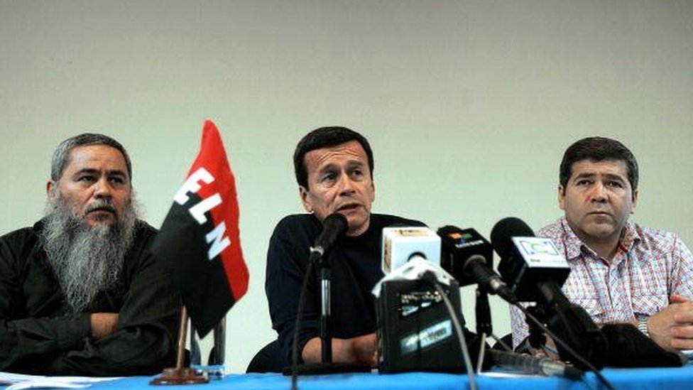 Colombia's National Liberation Army (ELN) leftist guerrillas commander Pablo Beltran (C) speaks next to commanders Francisco Galan (L) and Carlos Cuellar during a press conference 16 April, 2007 in Havana.