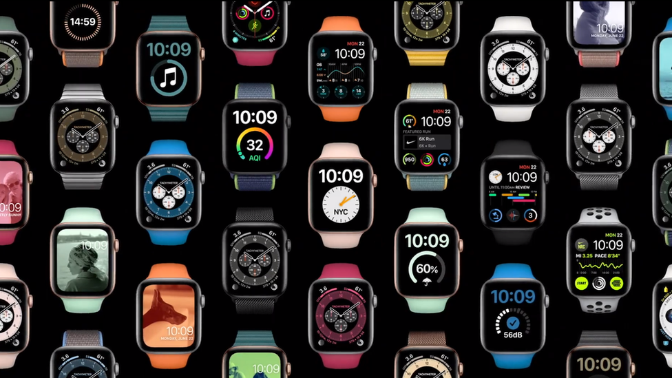 Varios relojes Apple Watch