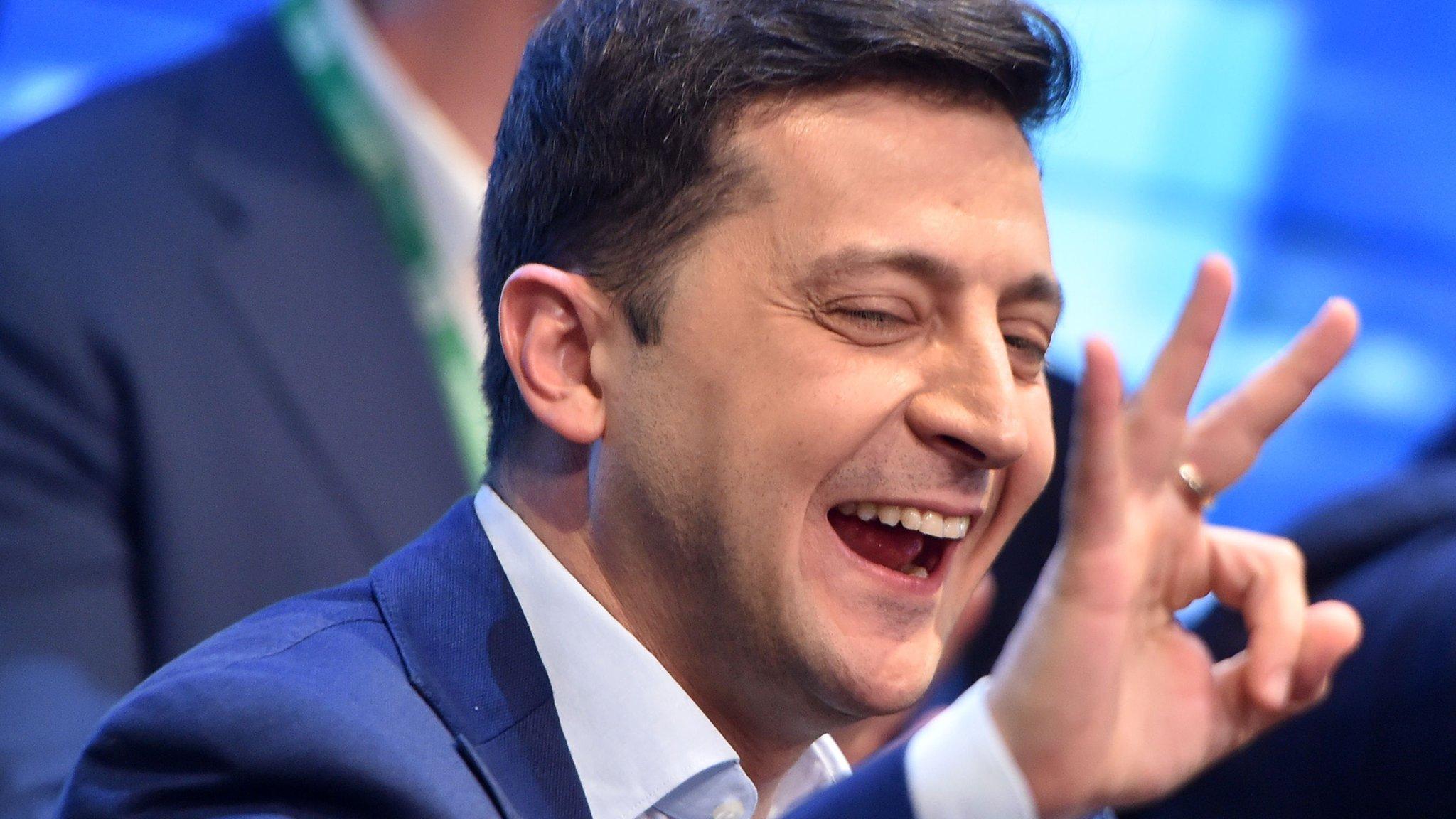 Экзитпол: Зеленский побеждает на выборах президента Украины. Он набирает 73,2% голосов