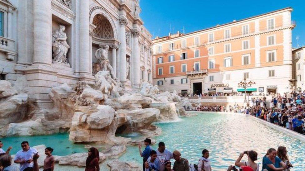 نافورة روما