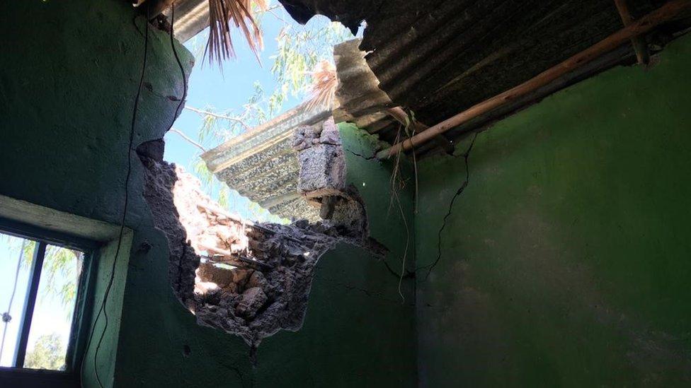 Edifício atingido por bombardeio em Mekelle antes de 28 de novembro