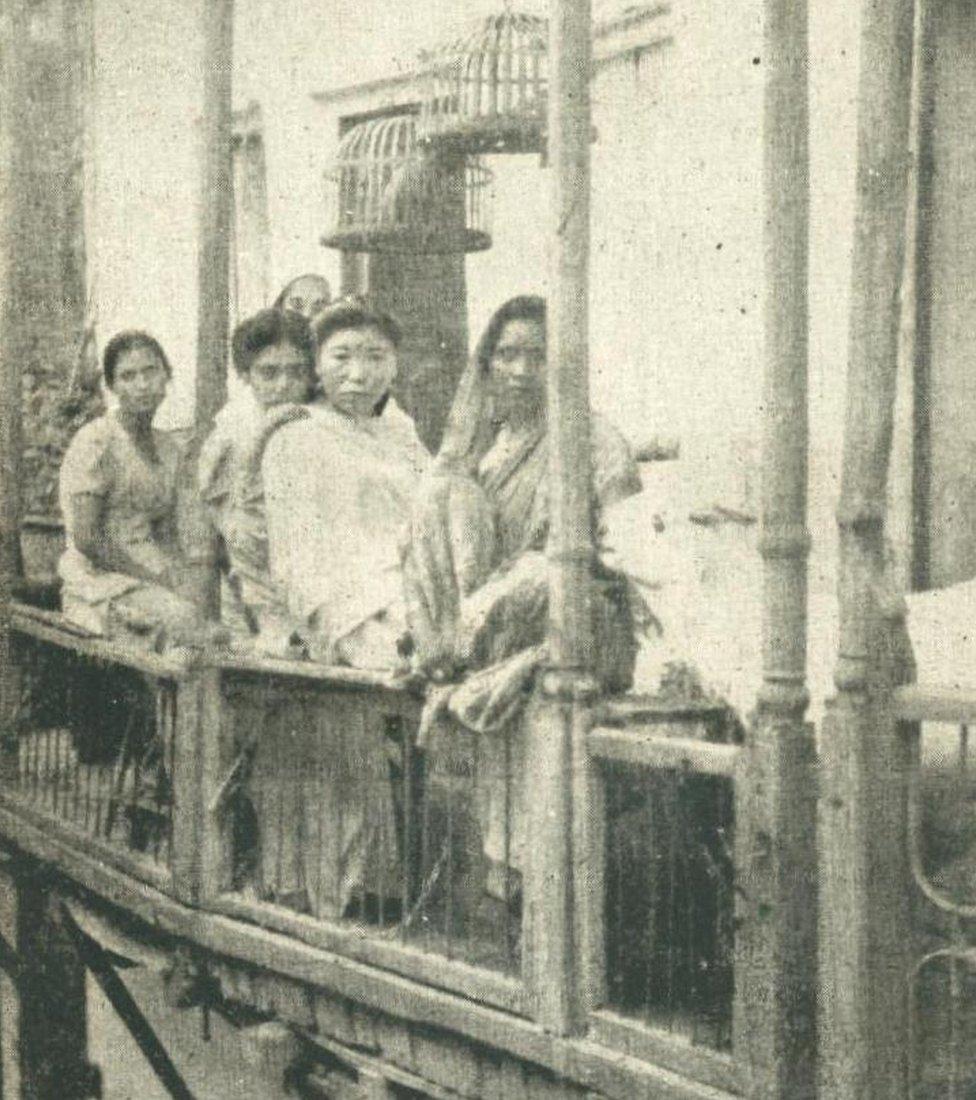 Las prostitutas en Bombay protestaron contra la ley que declaraba ilegal su trabajo.