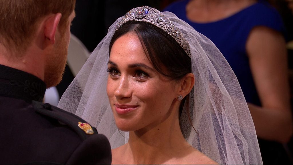 Royal wedding 2018: Prince Harry lifts Meghan's veil