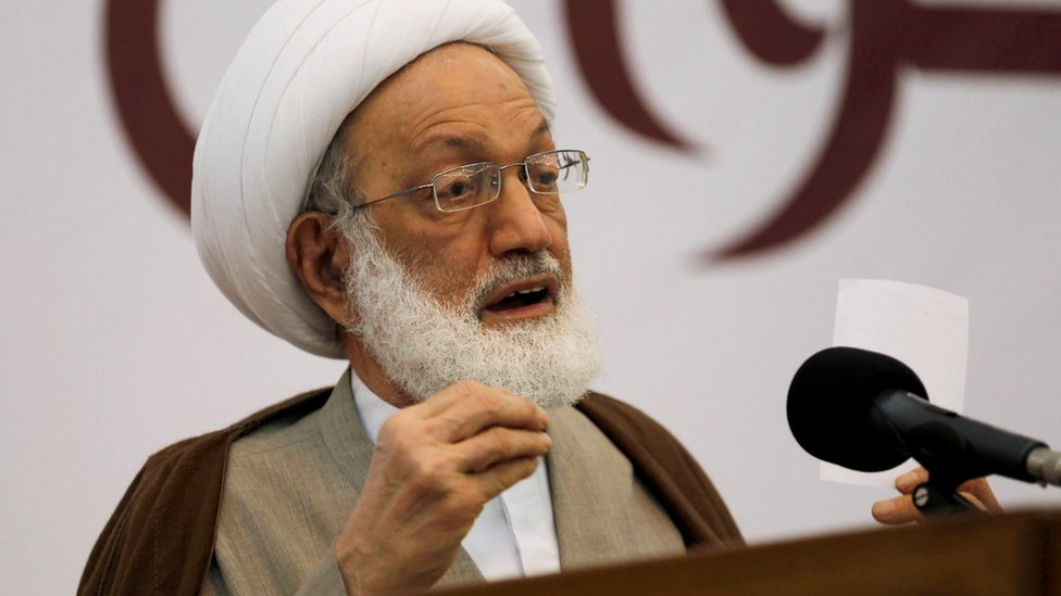 Isa Qassim gives speech at Saar Mosque, west of Manama, Bahrain in 2012