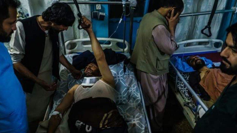 Víctimas del doble ataque reciben atención médica