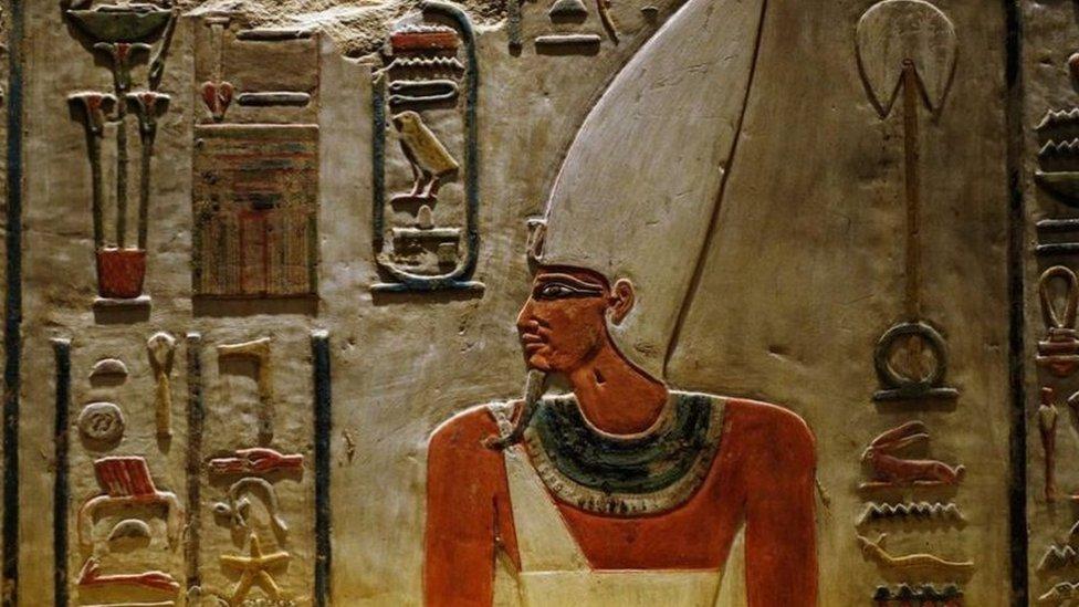 تعتبر النصوص المصرية القديمة والقبطية نافذة على تاريخ مصر القديم وحضارتها