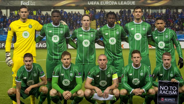 Celtic line up for a photo before the Molde match