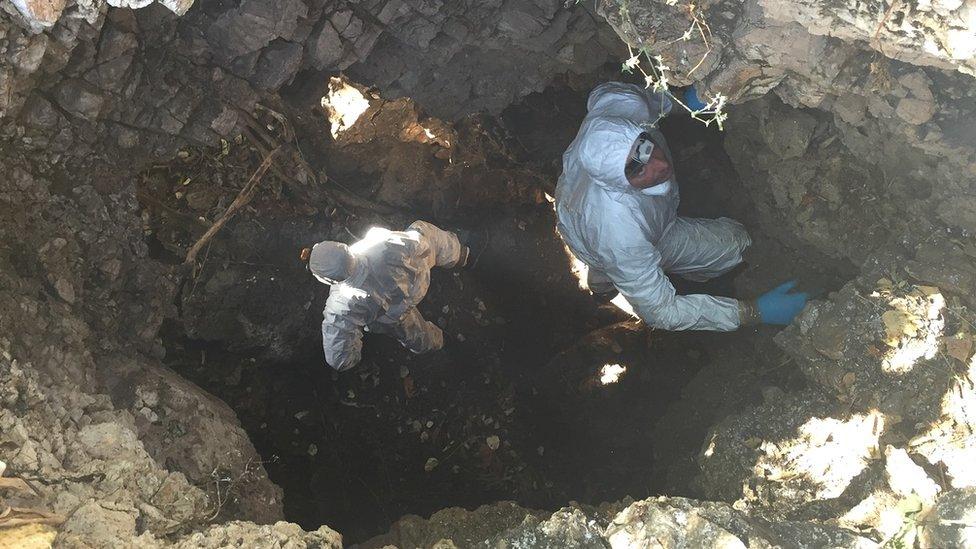 Cave, Zimbabwe