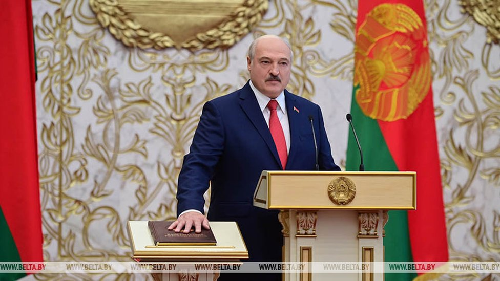 Лукашенко вступил в должность президента Беларуси. Об инаугурации заранее не сообщалось