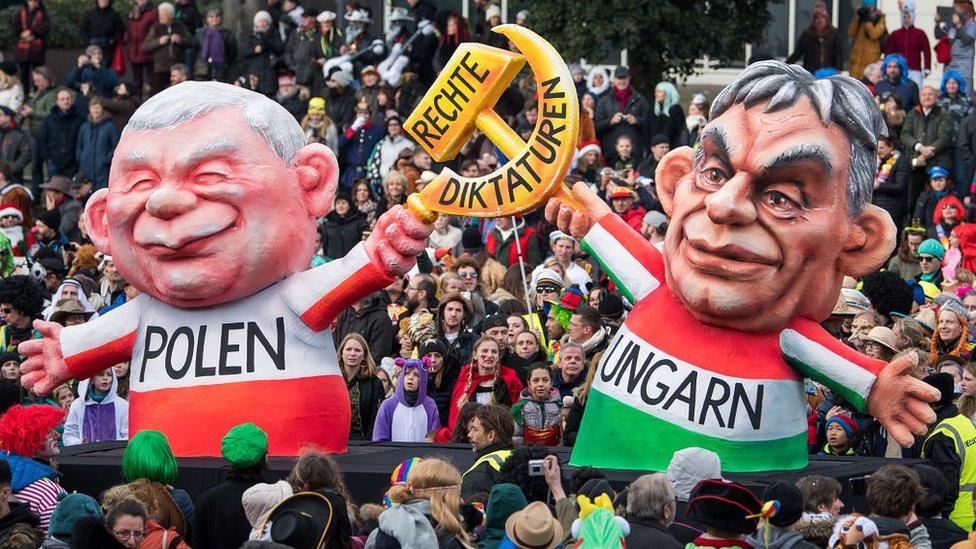Венгрия и Польша грозятся лишить страны ЕС денег. Себя - в первую очередь