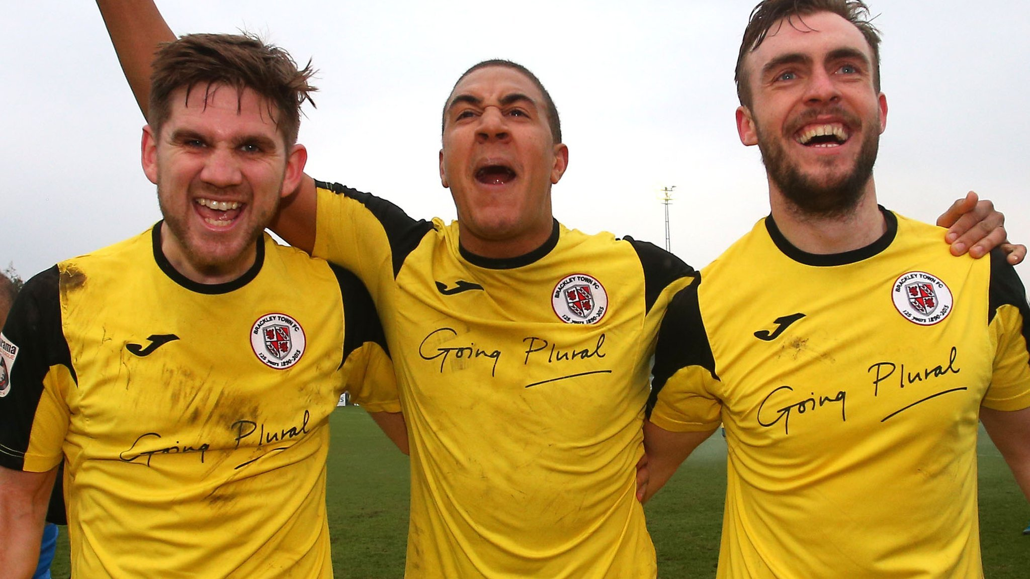 FA Trophy and FA Vase finals: Brackley Town v Bromley and Stockton Town v Thatcham Town