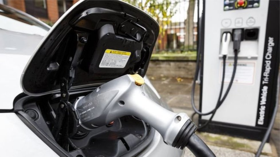 UK's clean car goal 'not ambitious enough'