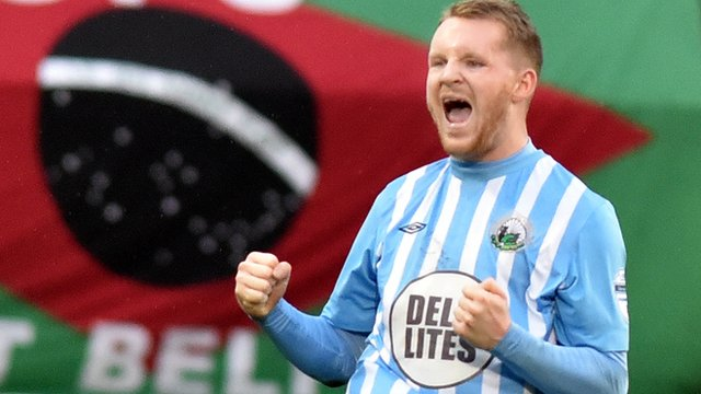 Martin Murray scored twice for Warrenpoint in a 4-0 away victory over Glentoran
