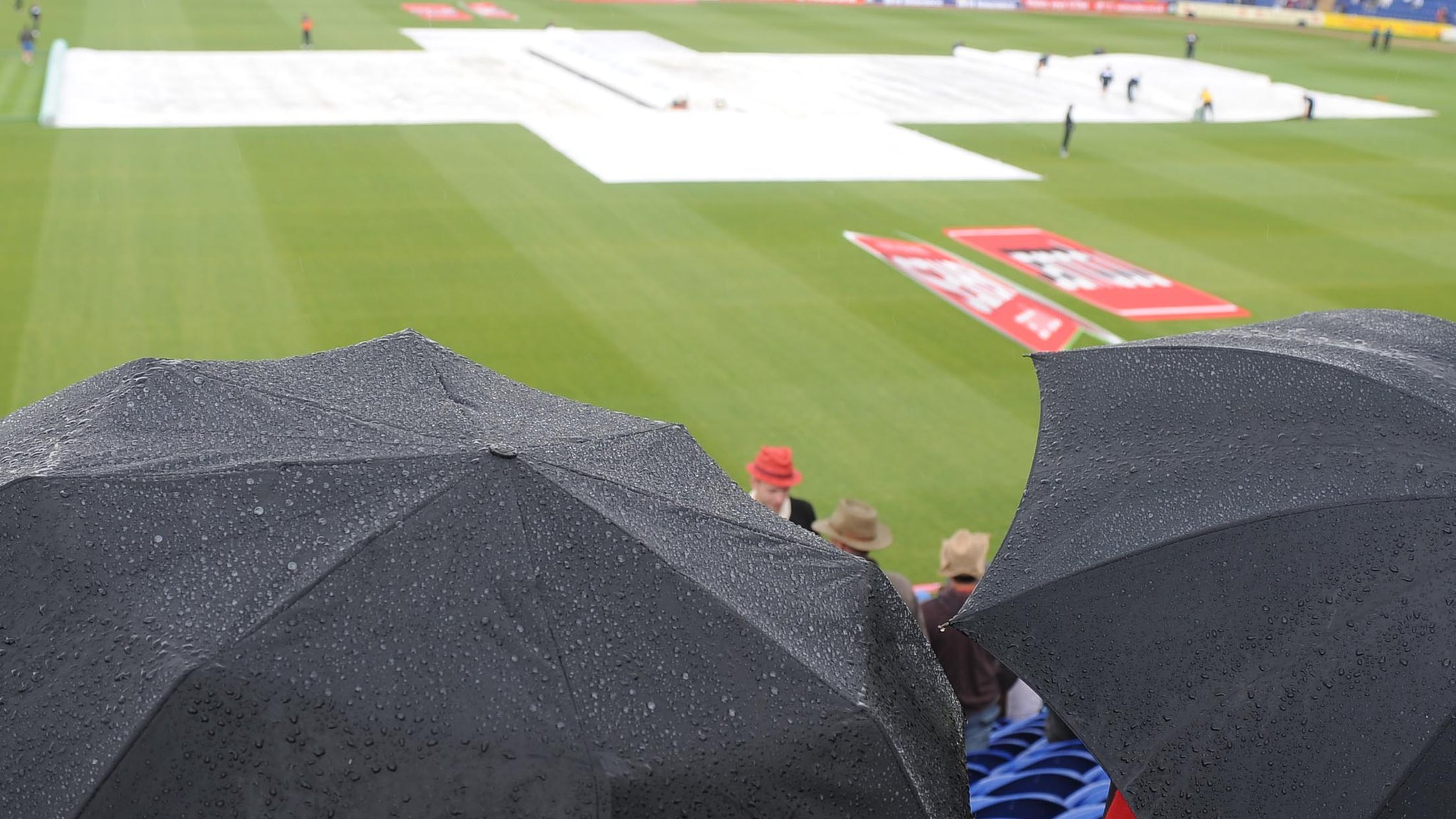 Rain ruins final day as Middlesex draw with Glamorgan