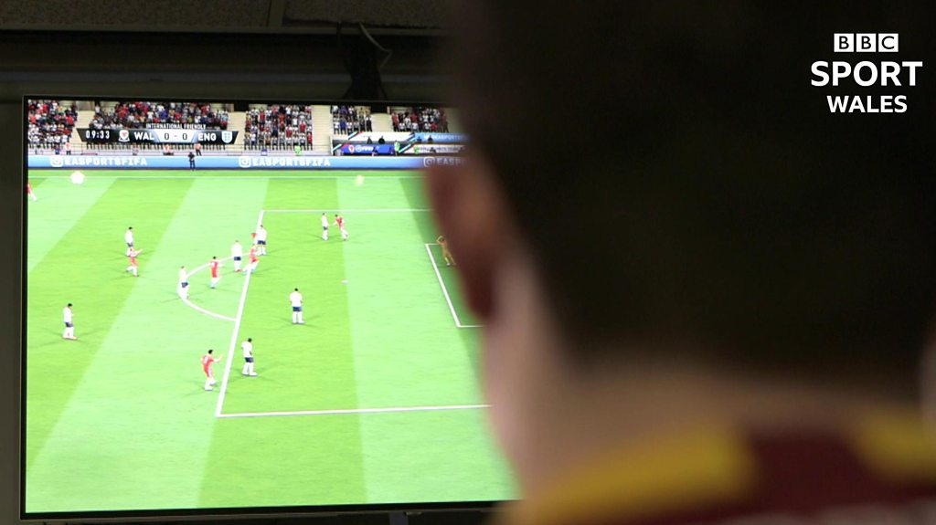 Meet the Welsh student who's a pro FIFA player for AS Roma