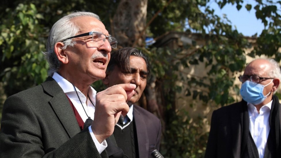 Mehmood Ahmed Sheikh, the lawyer of British-born militant Ahmed Omar Saeed Sheikh, speaks to media representatives outside the Sindh High Court