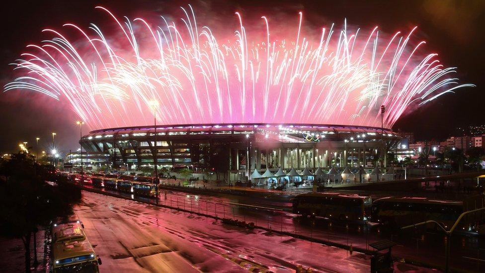 Fogos no encerramento dos Jogos Olímpicos do Rio