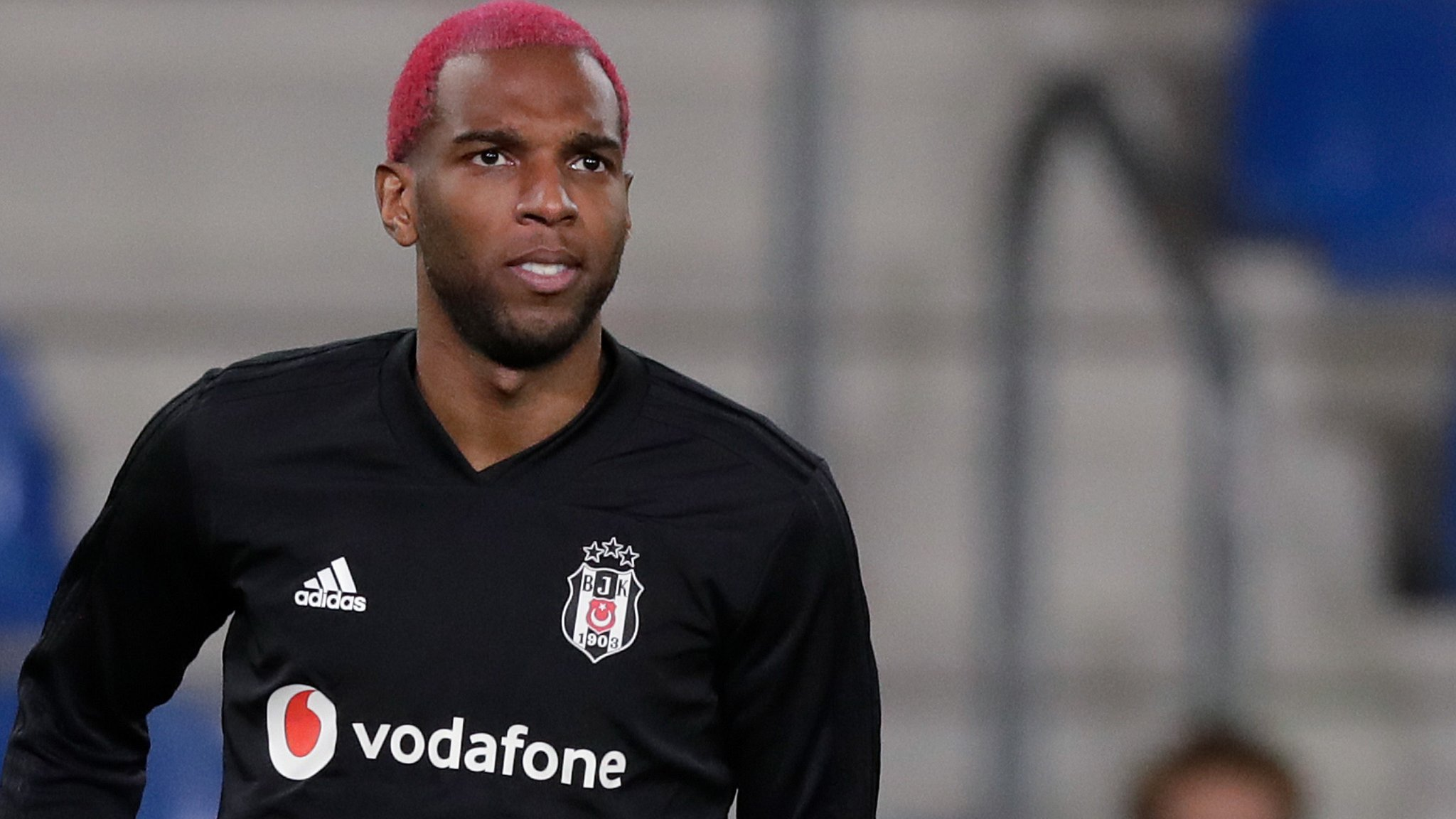 Ryan Babel: Fulham sign former Liverpool winger from Besiktas