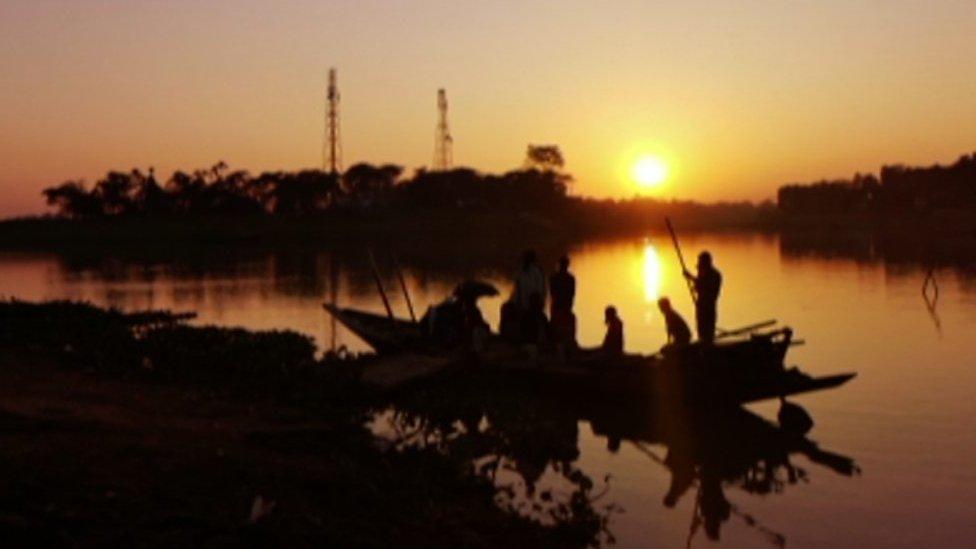 Artist's dream to clean up waterways in Bangladesh
