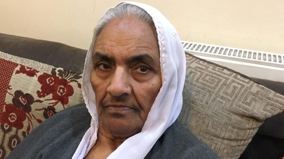 Riasat Bi, 86