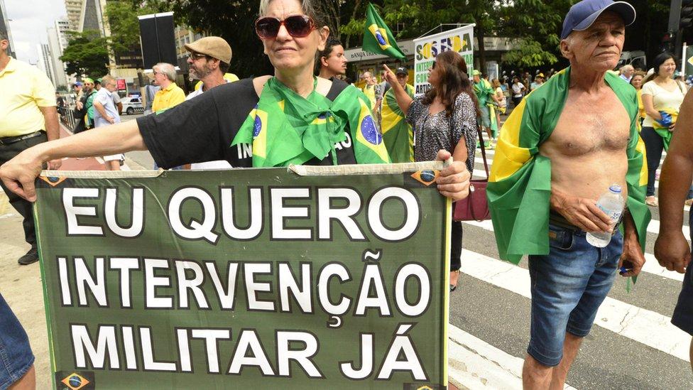 EJÉRCITO BRASILEÑO - Página 28 _103524489_gettyimages-940497888-1