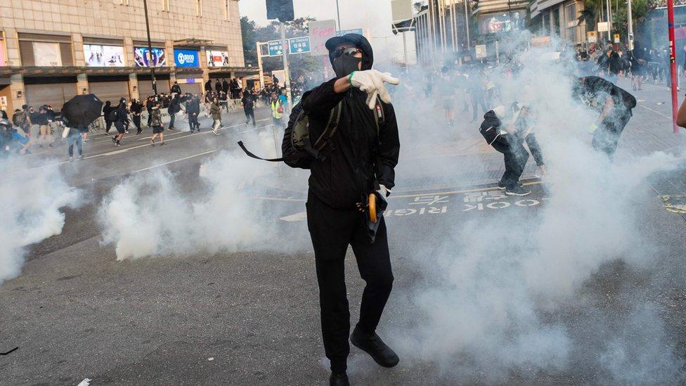 催淚彈再次出現在尖沙咀街頭。