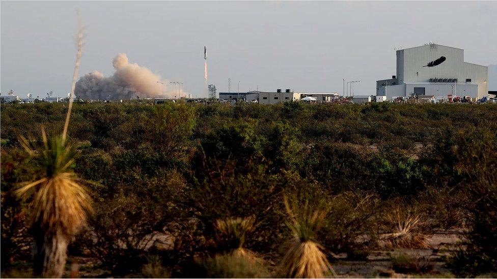 El despegue de Bezos hacia el espacio
