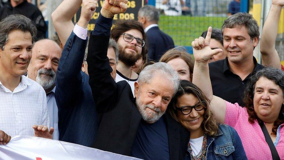 Lula sale de la cárcel