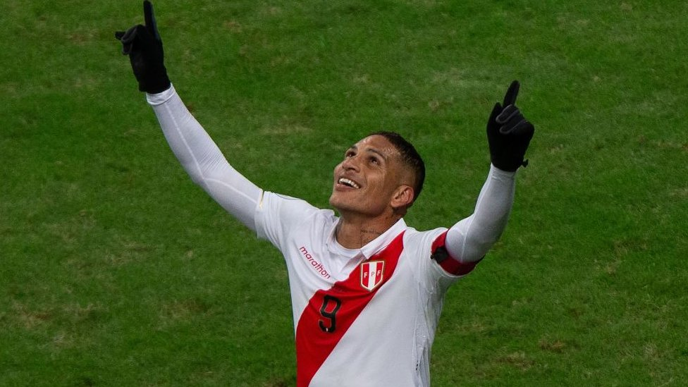 Paolo Guerrero celebra